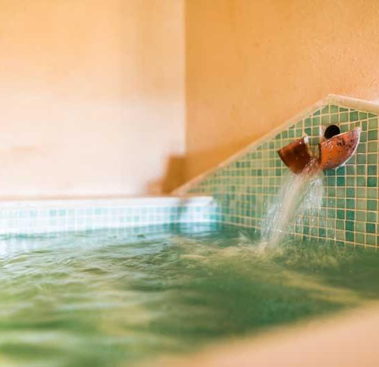 Relájate en sus aguas termales